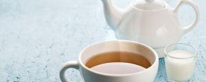 Denti senza macchia? Tè al latte!